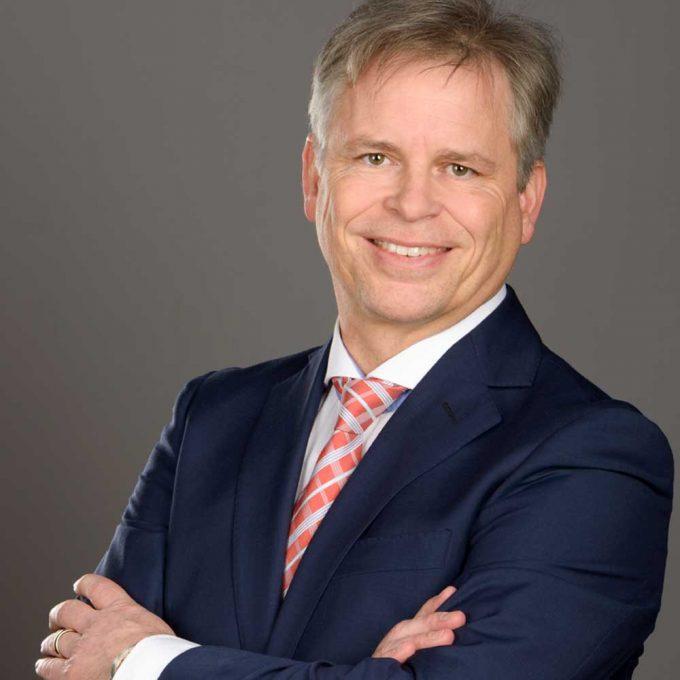 Miklos Szvircsev   SIEMENS SI beim Forum krise